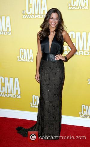 Jana Kramer Hospitalised