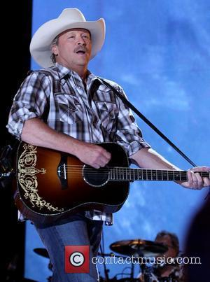 Alan Jackson Raises Thousands For Wildfires Relief Fund
