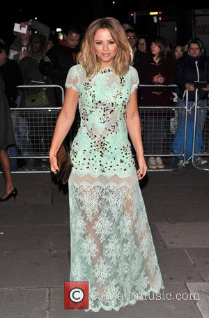 Kimberley Walsh Treats Knee Injury In Preparation For Saturday's Salsa