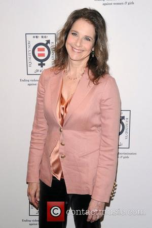 Debra Winger To Make Broadway Debut