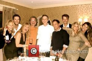 Fergie posted this picture on Twitter with the quote, Our well fed group. Erin @theoliverhudson @goldiehawn Kurt @Chef_Keller Josh Algra...