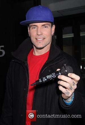 Nielsen Shocks Vanilla Ice With Dating Confession