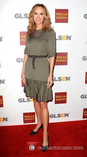 Country Singer Pregnant, Chely Wright Expecting Double Trouble with Identical Twins