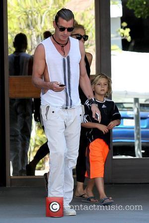 Gavin Rossdale and Kingston Rossdale leave an office building in Sherman Oaks Los Angeles, California - 15.09.12