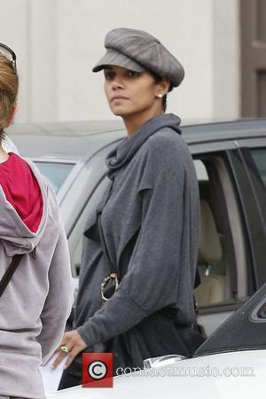 Halle Berry seen with her daughter Nahla Aubry leaving the grocery store Los Angeles, California- 04.12.12