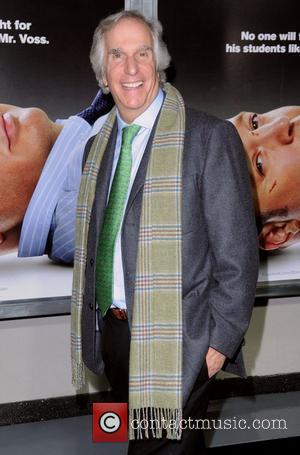 Henry Winkler Refusing To Unpack Until He Reads Play Reviews