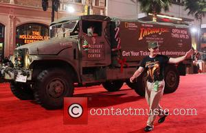 2012 Hollywood Christmas Parade Benefiting Marine Toys For Tots - Show 