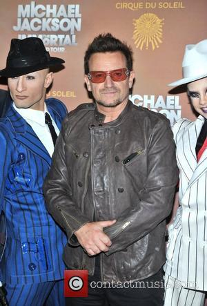 Bono Wows Piano Bar With Sinatra Song