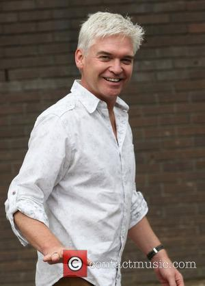 Terry Nutkins Death : Phillip Schofield Leads Tributes To Wildlife Presenter