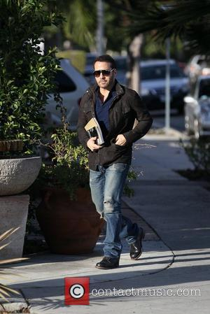 Jeremy Piven  departs Le Pain Quotidien in West Hollywood Los Angeles, California -24.01.12