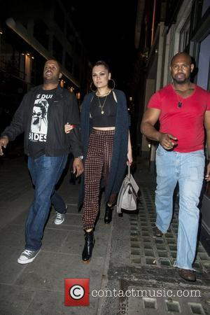 Jessie J To Shave Head On Live Tv Next March