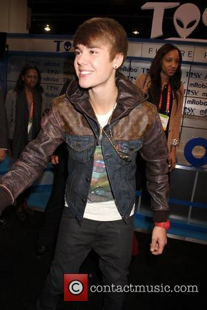 Bieber To Join Jacksons For King Of Pop Day In Hollywood