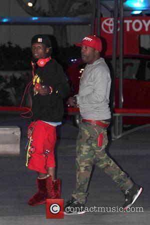 Lil Wayne Recovering From Shoulder Injury