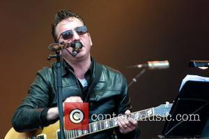 Richard Hawley Plays Britain's Latitude Festival With Broken Leg