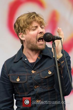 Kaiser Chiefs Founder Nick Hodgson Quits Band After 15 Years