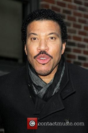 Lionel Richie Wears Lucky Hats To Record