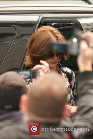 Linda Evangelista Claims Salma Hayek's Husband Wanted Abortion