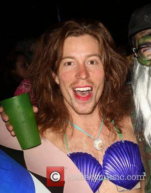 Shaun White Chops Off Hair For Charity