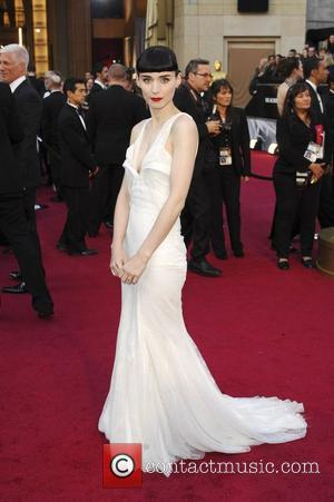 Oscars 2012: Rooney Mara Dominates Best Dressed Lists