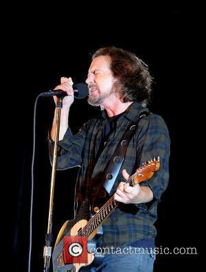 Eddie Vedder Raises $1.7million For Obama Re-Election Campaign