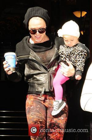 Pink aka Alecia Moore leaving her hotel with her daughter Willow London, England - 13.09.12
