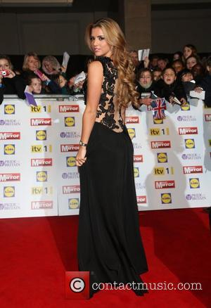 Wardrobe Malfunction For TOWIE's Lucy Mecklenburgh? Or Just A Fashion Faux Pas?