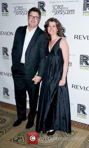 Vince Gill And Wife Amy Grant Headline Concert For Stroke Victim