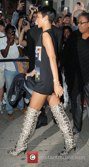 Rihanna And Nicki Minaj To Do Battle At American Music Awards