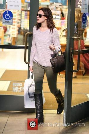 Rumer Willis shops at Barnes and Noble bookstore at the Grove. Los Angeles, California- 19.11.12