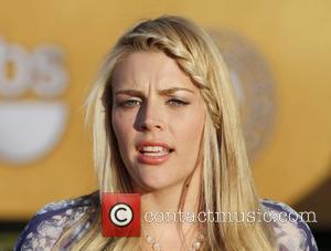 Busy Philipps Pestered Cox To Join Twitter