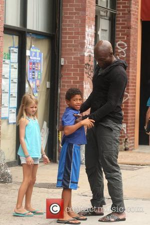 Leni Klum, Henry Samuel and Seal Singer Seal picks up his children from his estranged wife's apartment New York City,...