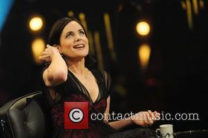 Elizabeth Mcgovern Waits On Husband Simon Curtis For Charity