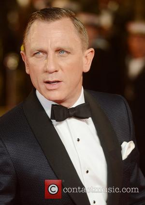 Daniel Craig At The Skyfall Premier Brings The House Down, If Not The Sky
