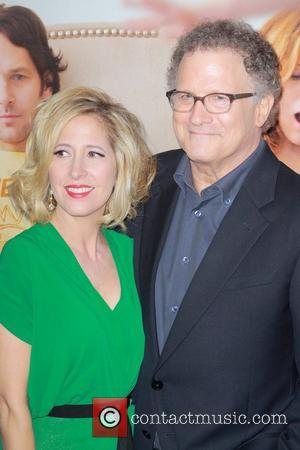 Albert Brooks A Worrier Because Of Unhealthy Dad
