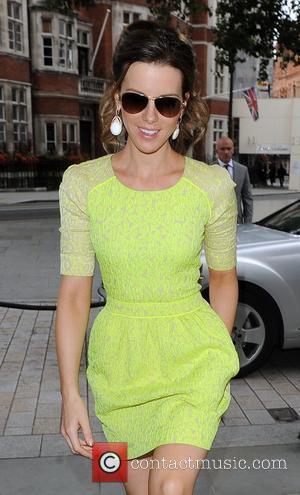 Kate Beckinsale Bans Daughter From Facebook
