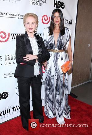 New York Fashion Week: Elegance And Style Rule The Catwalk For Carolina Herrera