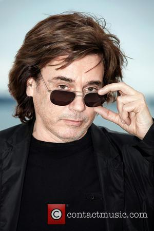 Jarre Sees No Future For Internet