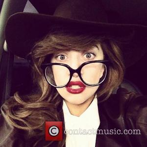"""""""Queen of the Universe"""" Lady Gaga Sued by Assistant for $393,000"""