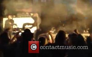 Marilyn Manson - Marilyn Manson faints on stage