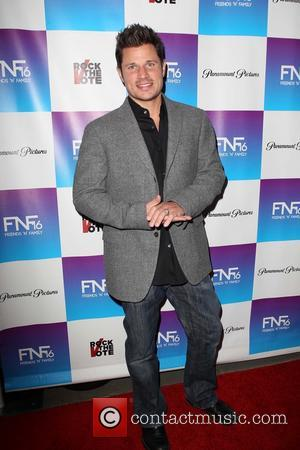 Nick Lachey To Raise Son In Hometown