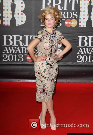 Paloma Faith Confronted By Fan In Dressing Room