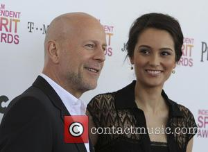 Josh Duhamel, Rosario Dawson and Bruce Willis Fight 'Fire with Fire' (Trailer)