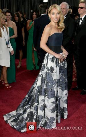 Kelly Ripa - Oscars Red Carpet Arrivals