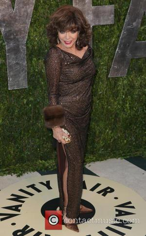 Joan Collins - 2013 Vanity Fair Oscar Party at Sunset Tower - Arrivals - West Hollywood, California, United States -...