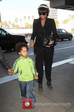 Jennifer Hudson and David Daniel Otunga Jr - Jennifer Hudson arrives at LAX airport with her son David Daniel Otunga...