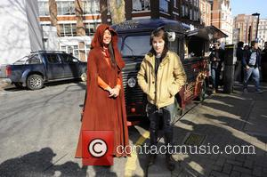 Isaac Hempstead-Wright - Issac Hempstead Wright travels accross the Capital in the Game of Thrones Westeros Food Wagon to celebrate...