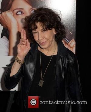 Lily Tomlin Has No Plans To Wed Partner Of 42 Years