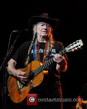 Willie Nelson To Host Fundraiser For Texas Explosion Victims