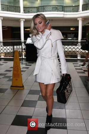 Mollie King - The Saturdays are seen in Bayswater after a TV appearance and  enjoy lunch at Pizza Express....