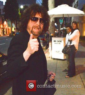 Jeff Lynne - Jeff Lynne, Lead singer of Electric Light Orchestra arrives at Mr. Chow restaurant in Beverly Hills Ca,...